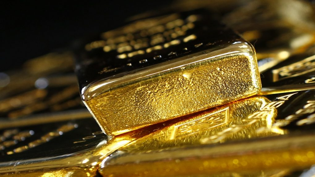 Gold prices in India fall from recent highs as investors rush for riskier assets