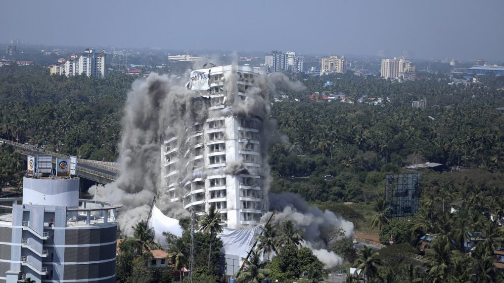 In Pictures: Demolition of Kochi high-rise apartment buildings for violating eco-norms